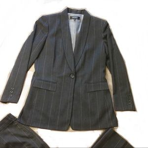 Kasper Two Piece Suit Gray Pink Pinstriped Size 12